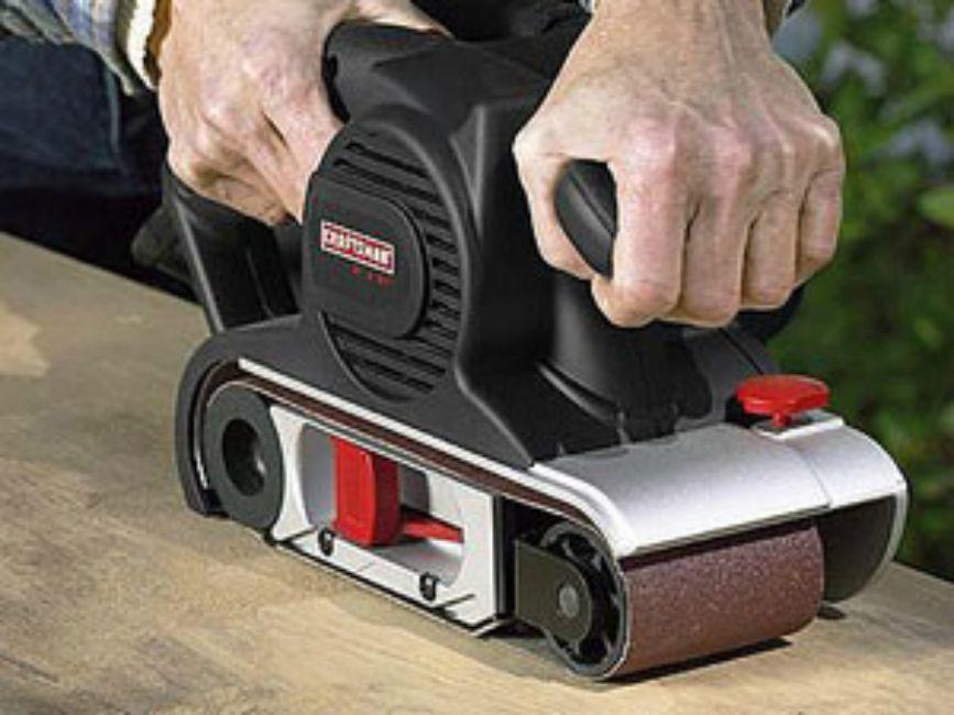 how to change sandpaper on black and decker sander
